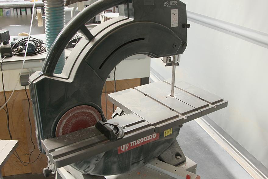 Band- und Tellerschleifmaschine