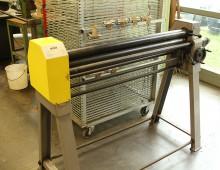 Drei-Walzen-Rundbiegevorrichtung / Metallwerkstatt / Designcampus