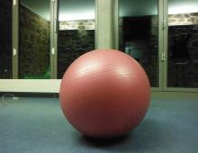14-Kunst_Zeitbasierte Künste_Gymnastikball